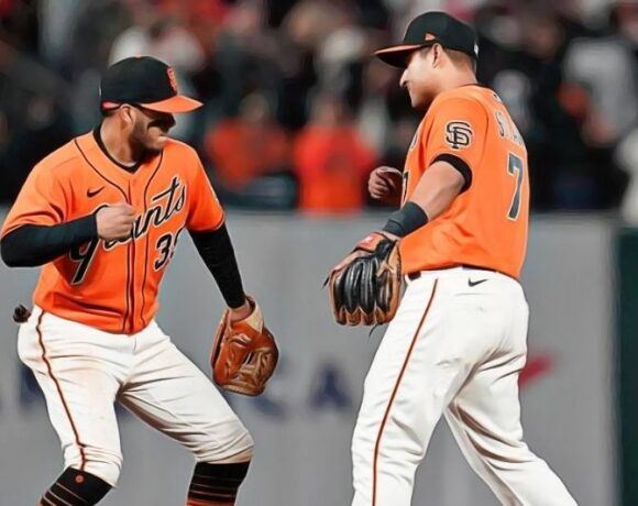 Giants Favored Over Dodgers To Score In NL West